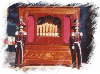 Un orgue de Barbarie à flûtes